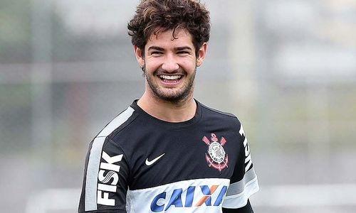 Agente de Pato vibra com chegada de Mano Menezes ao Corinthians