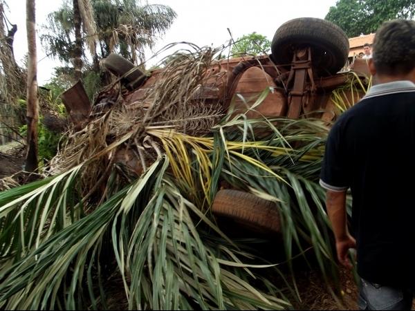Carro capota na PI - 398 próximo ao município de Boa Hora