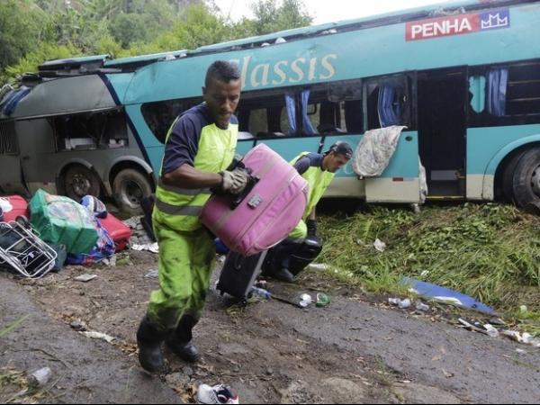Edredons amorteceram o impacto, acredita sobrevivente de acidente