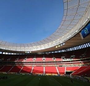 Estádio Mané Garrincha passará por vistoria por causa de goteiras