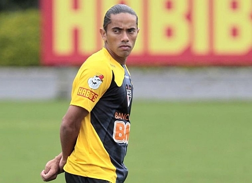 Carlinhos Paraíba confirma interesse do Vasco: