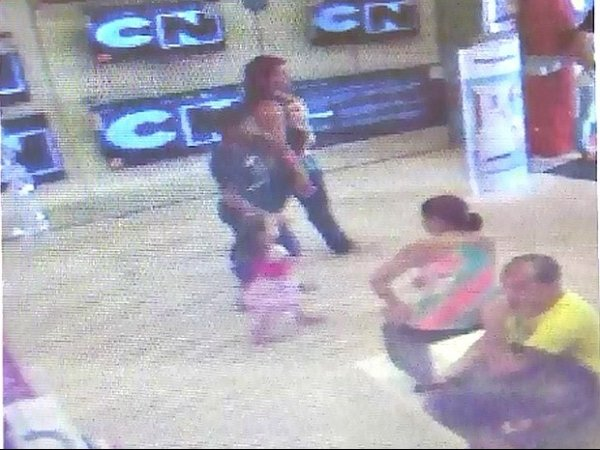Mulher oferece presente para crianças e sequestra menina, diz polícia no AM