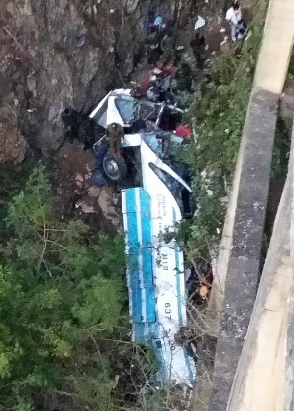 Acidente de ônibus na Tailândia mata ao menos 29 pessoas, diz polícia