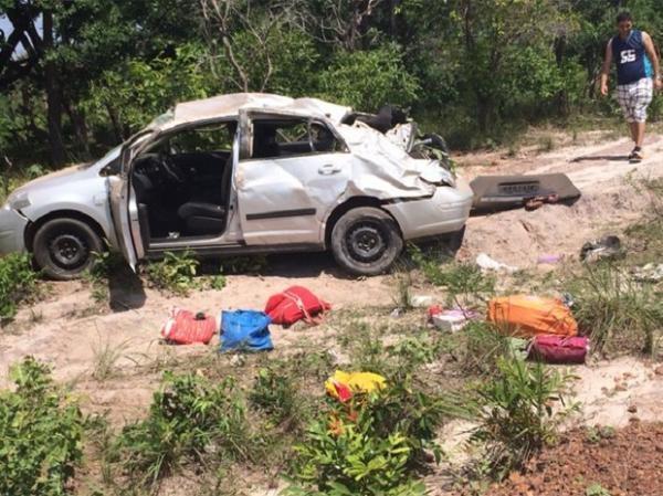 Quatro pessoas ficam feridas após capotamento entre Jerumenha e Floriano