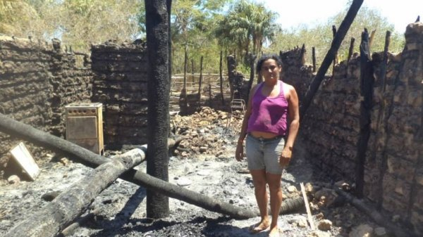 Idosa de 82 anos tem partes do corpo queimado durante incêndio de casa em José de Freitas