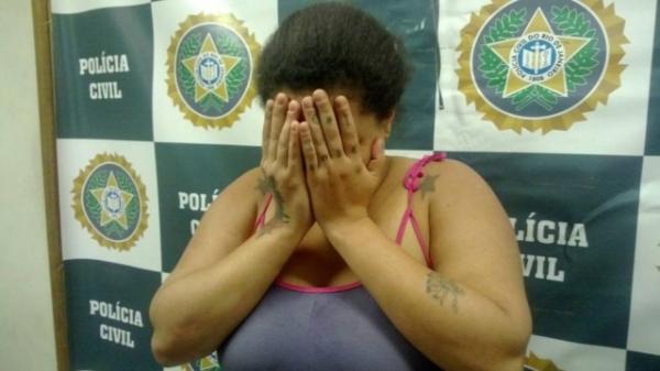 Padrasto tortura criança de 8 anos por ordens da própria mãe