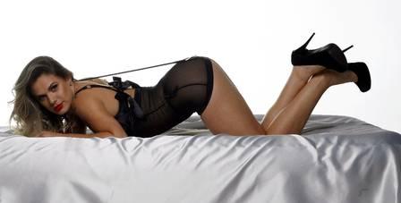 Perdeu, Thammy! Ex de atriz posa sensual e sonha reatar casamento
