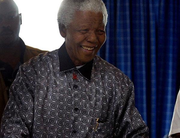 Aos 95 anos, morre líder sul-africano Nelson Mandela dentro de sua casa, em Johannesburgo - Imagem 2