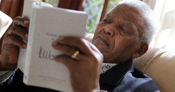 Aos 95 anos, morre líder sul-africano Nelson Mandela dentro de sua casa, em Johannesburgo - Imagem 6