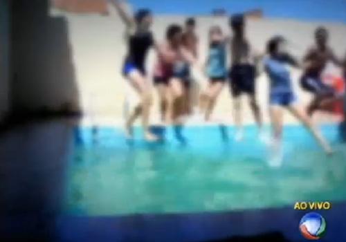 Casal é suspeito de fazer festas em piscina para abusar de adolescentes