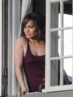Jennifer Lopez entra com petição para readquirir nome de solteira