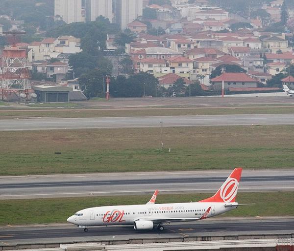 Com 300 voos atrasados, Gol é autuada pela Anac