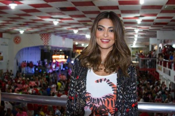 Juliana Paes cai no samba em confraternização de fim de ano