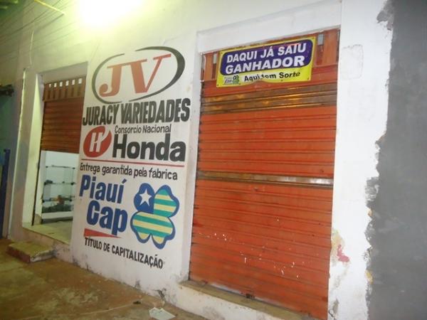 Loja do Piauí Cap é assaltada em JFreitas e vendedora tem arma apontada para cabeça