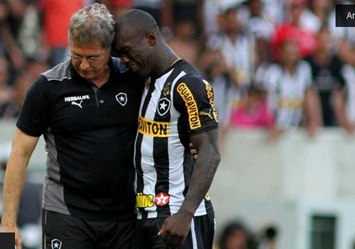 Bota anuncia saída de Oswaldo e abre caminho para ele fechar com Santos