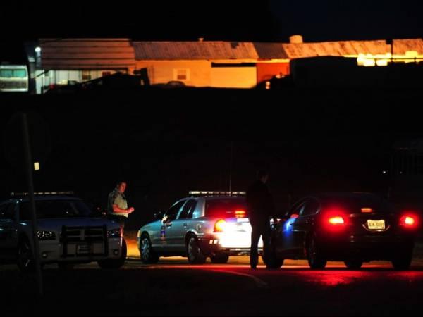 Criança segue pelo 4° dia refém de homem armado nos Estados Unidos