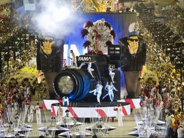 Mocidade, Unidos da Tijuca e Portela são destaques do 1º dia no Rio