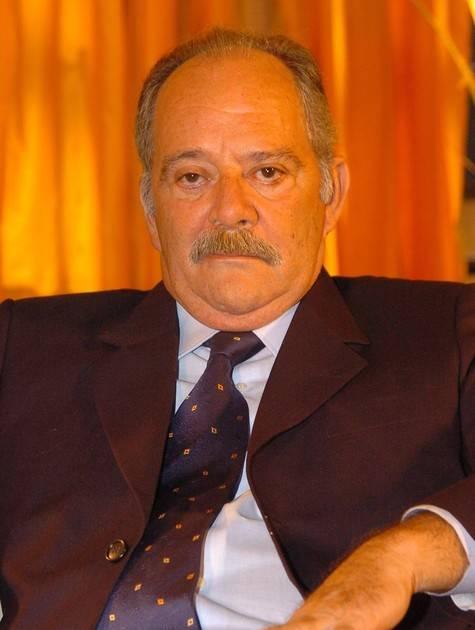 Ator Claudio Marzo está na UTI com pneumonia, segundo boletim médico