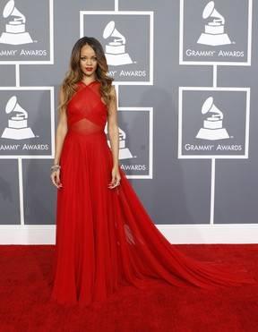 Pai de Rihanna perdoa Chris Brown:
