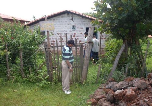 Bandidos executam cão e arrombam casa em José de Freitas