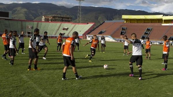 Corinthians inicia busca pelo bi da América na Bolívia contra o San José