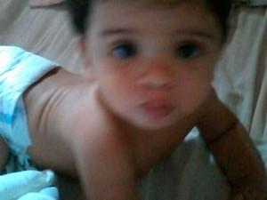 Mãe suspeita de assassinar bebê de oito meses durante