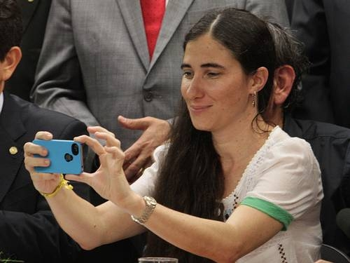 Yoani Sánchez pretende arrecadar prêmios que recebeu para fundar jornal