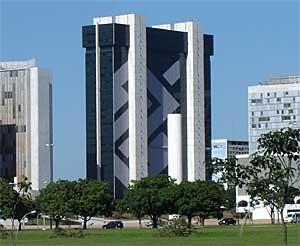 Banco do Brasil eleva fatia de mercado e ganha cliente com juro baixo