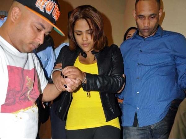 Cantora é presa suspeita de tráfico de drogas na República Dominicana