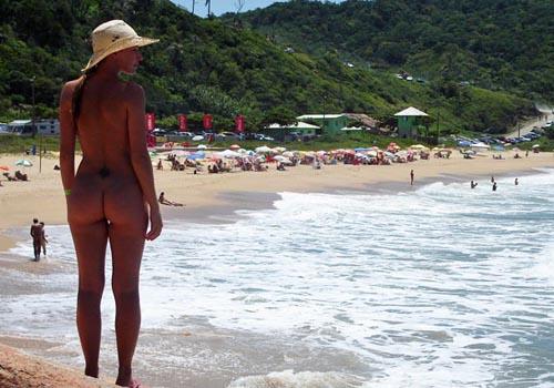 Praias de nudismo ganha cada vez mais adeptos e possuem até carteirinhas; veja regras