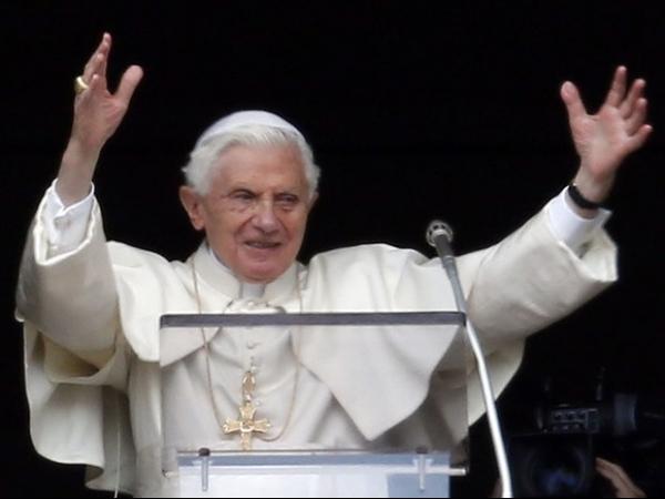 Bento XVI aprova novas regras para antecipar Conclave