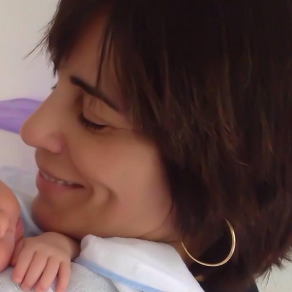 Glória Pires visita neto de Cristiana Oliveira: