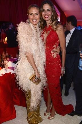 Luciana Gimenez posa com Heidi Klum em evento beneficente
