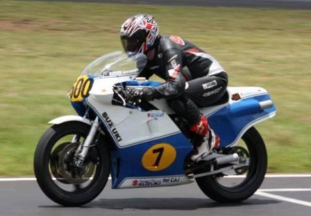Mulher de ex-piloto da MotoGP morre ao cair de janela durante lua de mel