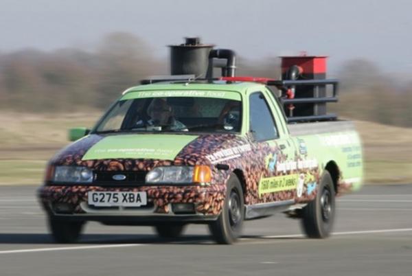 Carro movido a café chega a 104 Km/h e quebra recorde