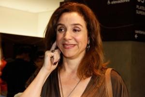 Marisa Orth fica estressada com pergunta sobre o programa Sai de Baixo