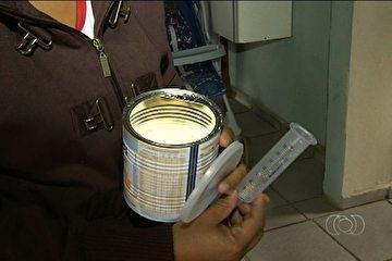 Mãe luta por leite especial para filha de 8 anos que pesa apenas 10 kg