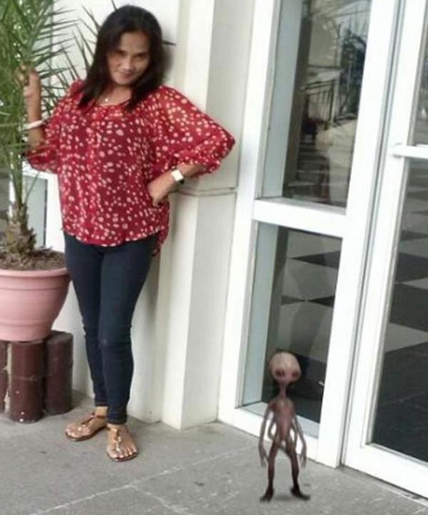 Mulher alega que criatura estranha apareceu em foto nas Filipinas