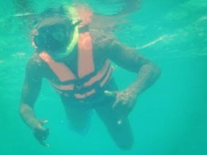 Thiaguinho curte férias no México e EUA:
