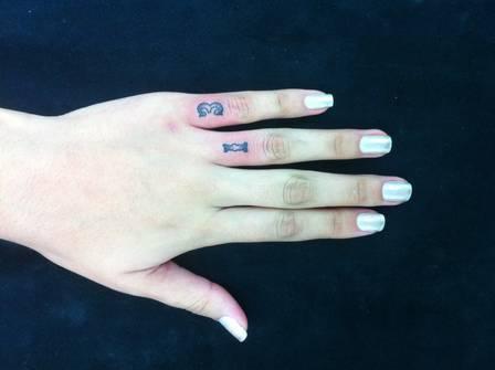 Andressa Urach compra apartamento, faz tatuagens e assume depressão
