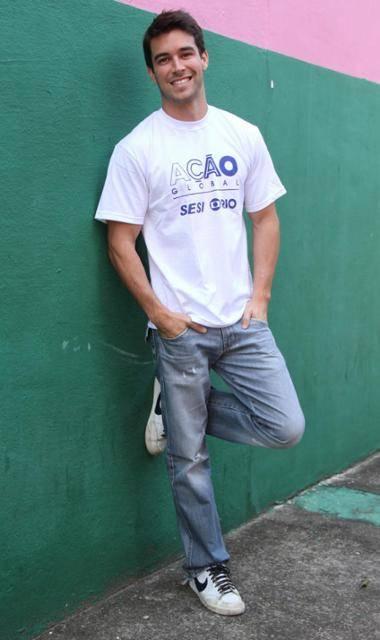 Ator de Malhação sofre sequestro relâmpago ao chegar em casa
