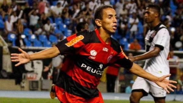 Flamengo: após vitória, Rafinha ouve coro de que é