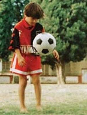 Após renovar com Barça, Messi não descarta se aposentar na Argentina