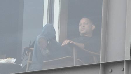 Ator americano Will Smith, no Rio de Janeiro, passa sábado de carnaval na varanda de hotel