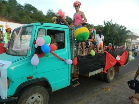 Corso em Campo Maior e Picos atrai multidão de foliões