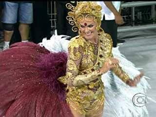 Rosas de Ouro, Mancha e Vai-Vai são destaques do 1° dia de desfile em São Paulo