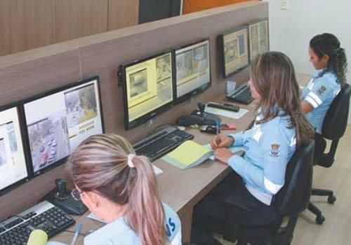 Com ajuda de câmeras, Strans aplica até 20 multas a cada hora em Teresina