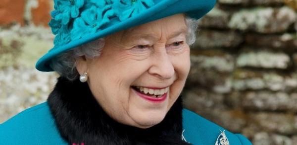 Rainha Elizabeth II assinará carta contra discriminação a homossexuais