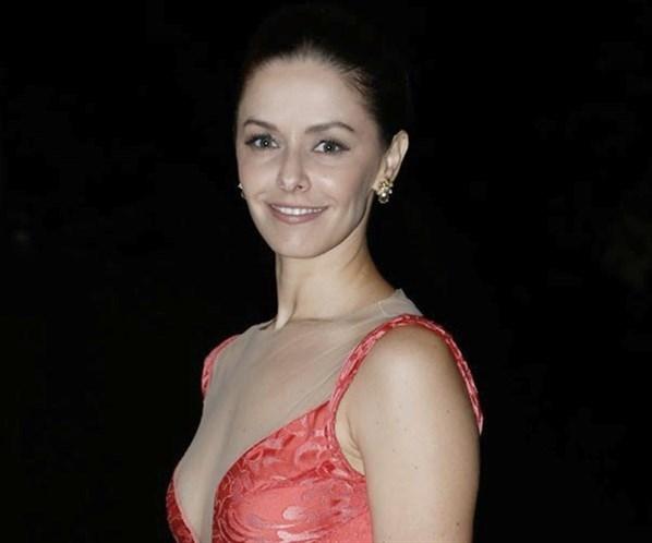 Bianca Rinaldi esclarece boatos sobre saída da Record e detona que não é mercenária