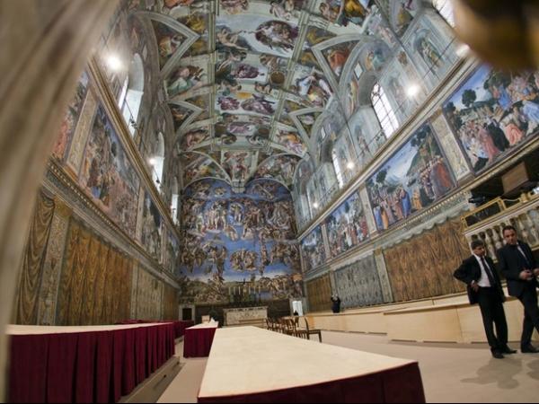 Cardeais fazem última reunião oficial antes do início do conclave